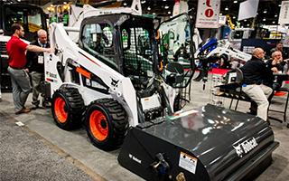 Мини-погрузчик Bobcat S595 – современная новинка строительного рынка
